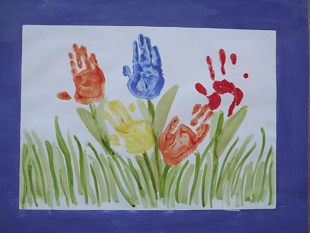 силу рисунки коллективная работа тюльпаны ладошками разрез
